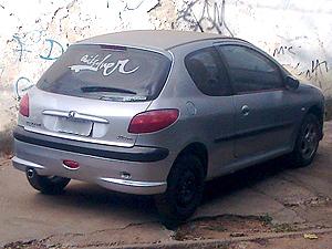 36f0b2b39b4b8 G1 - Jovem compra carro usado e em dois dias encontra 12 problemas ...