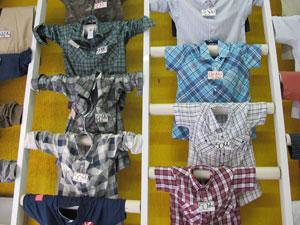 89079ba7d Camisas com estampa xadrez são as mais procuradas em loja (Foto  Juliana  Cardilli