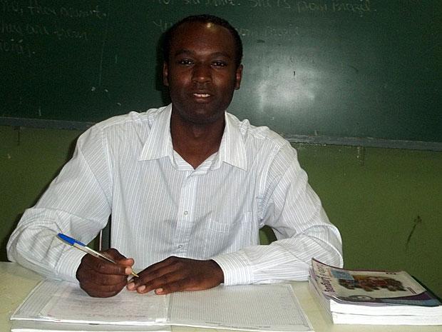 João Ailton dá aulas de português em escola de Diadema desde 2004 (Foto: Arquivo pessoal) (Foto: Vanessa Fajardo/G1)