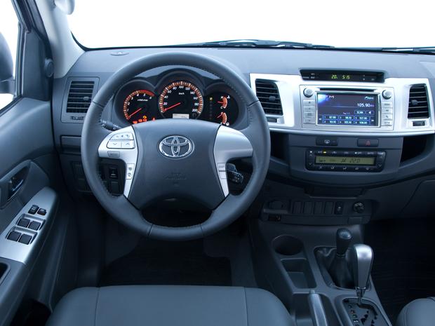 Auto Esporte - Primeiras impressões: Toyota Hilux 2012
