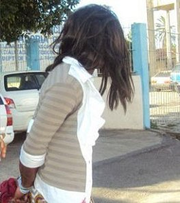 Preso tenta sair de presídio vestido de mulher. (Foto: Sul Bahia News)