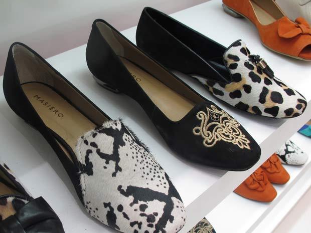 e28cb5c3c Slippers, mocassins inspirados na realeza, são aposta dos fabricantes para  o outono/inverno