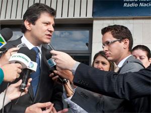 """O ministro Fernando Haddad, da Educação, após entrevista no programa """"Bom Dia, Ministro"""". (Foto: Elza Fiúza/ABr)"""