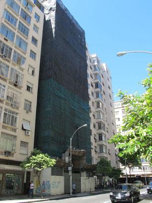 Obra de novo hotel da rede Windsor em Copacabana (Foto: Bernardo Tabak/G1)