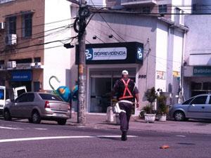 Policial militar na Tijuca (Foto: Thamine Leta/G1)