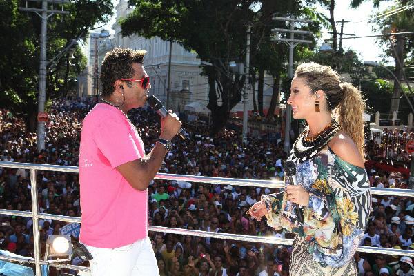 Claudia Leitte fez dueto com o cantor de arrocha Silvano Sales (Foto: Fabio Nunes / Divulgação)