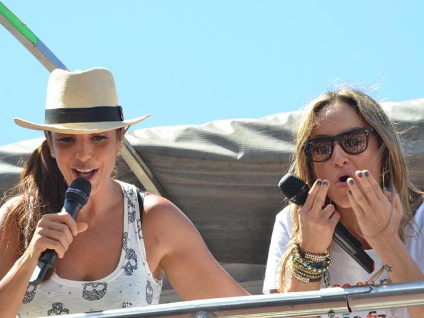 Ivete e Claudia Leitte no arrastão (Foto: Eduardo Freire/G1)