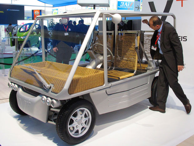 auto esporte designer philippe starck cria carro. Black Bedroom Furniture Sets. Home Design Ideas