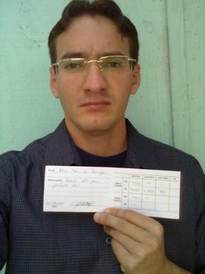 Alex de Souza recebeu uma receita de óculos inadequada (Foto  Arquivo  pessoal) a6fcb913a0