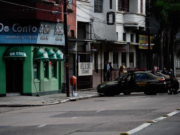 a4a2e71752b G1 - Polícia busca quinto envolvido em assalto a joalheria de Porto ...