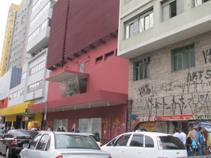 Fachada do prédio onde funcionava o Cine Belas Artes  (Foto: Roney Domingos/ G1)