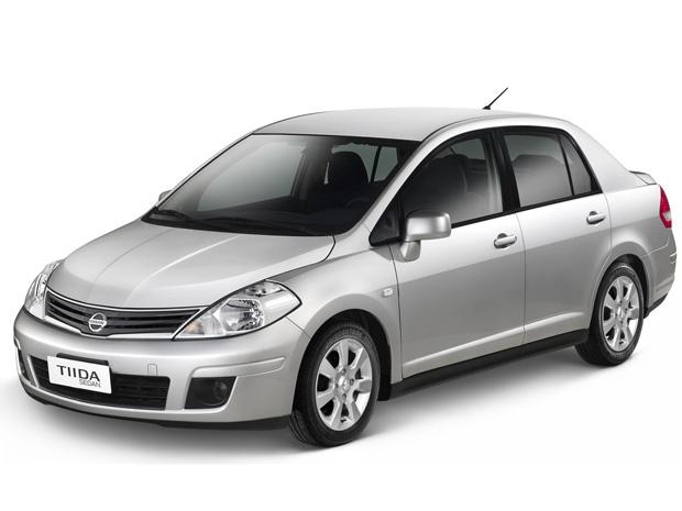 Auto Esporte - Tiida Sedan chega à linha 2013 por R$ 45.590