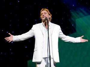 Fábio Júnior promete cantar sucessos que marcaram carreira. (Foto: Fábio Nunes / Divulgação)