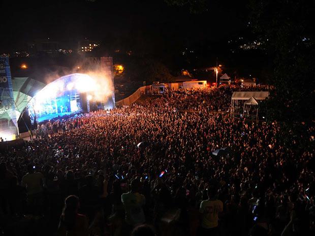 Multidão assiste ao show de Luan Santana (Foto: Alexandre Durão/G1)