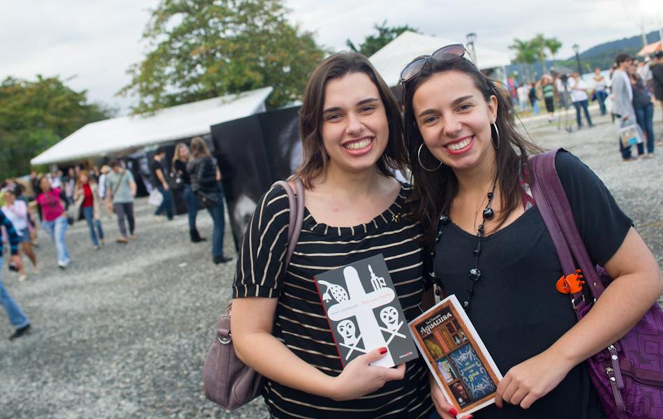 Participantes da Flip mostram ao G1 os livros que estão lendo ou vão ler -  fotos em Flip 2012 - g1 e7a60b45704