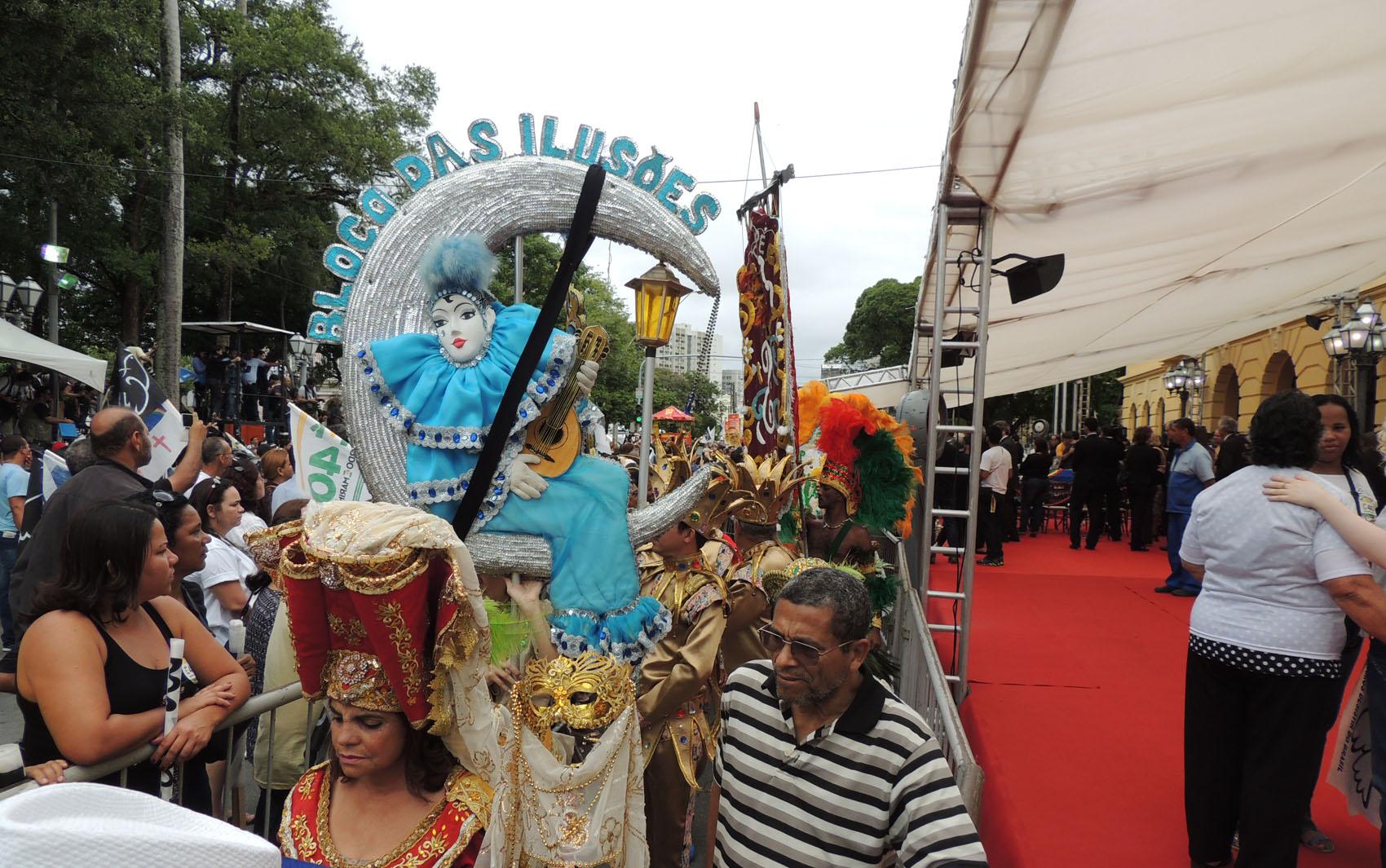 Blocos líricos prestaram homenagem na manhã deste domingo a Eduardo Campos
