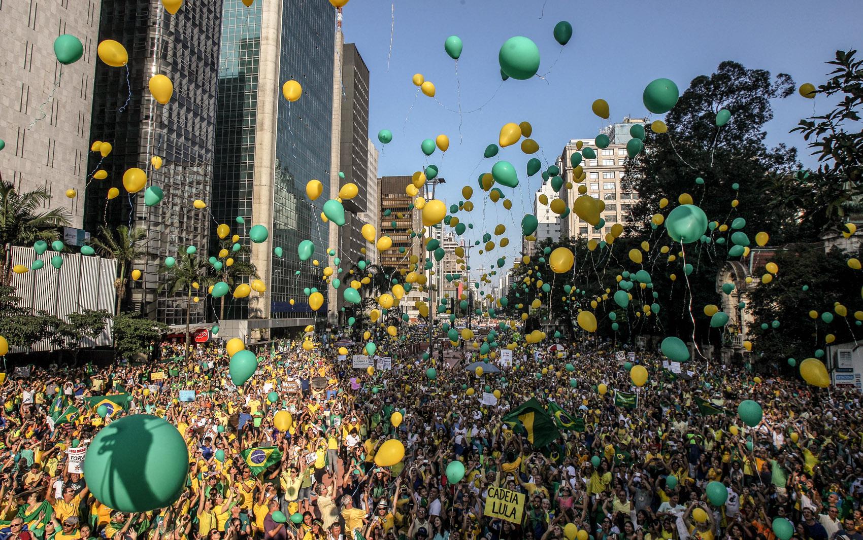 2386bccfe8118 FOTOS  manifestações deste domingo (12) - fotos em Política - g1