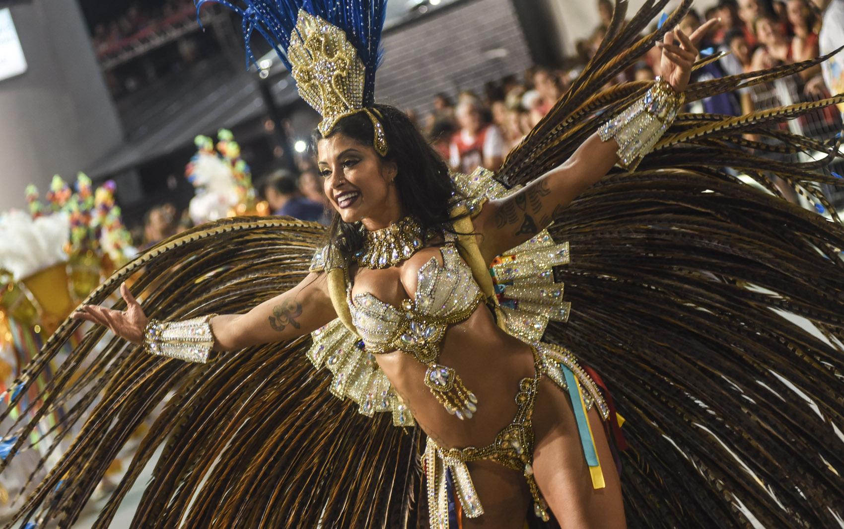 Desfile da Acadêmicos do Tucuruvi  FOTOS - fotos em Carnaval 2016 em São  Paulo - g1 0f3f87108f