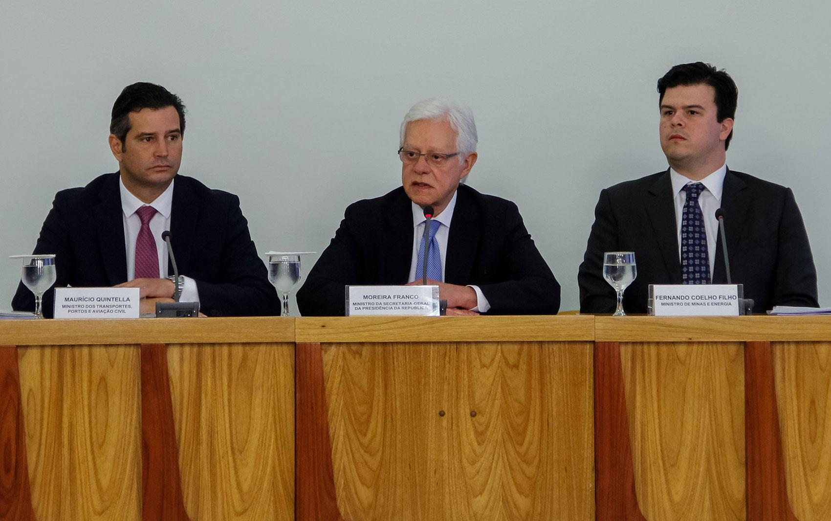 Ministros anunciam pacote de privatizações