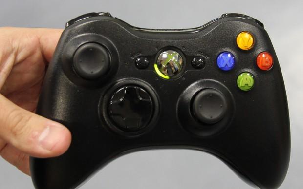 Aprenda como instalar um controle adicional no seu Xbox 360 (Foto  Isadora  Ribeiro   ae60a3439bb1c