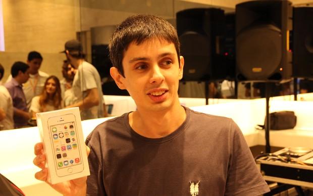 Augusto Motta conseguiu comprar o iPhone 5S sem esforço (Foto: Rodrigo Bastos/ TechTudo)