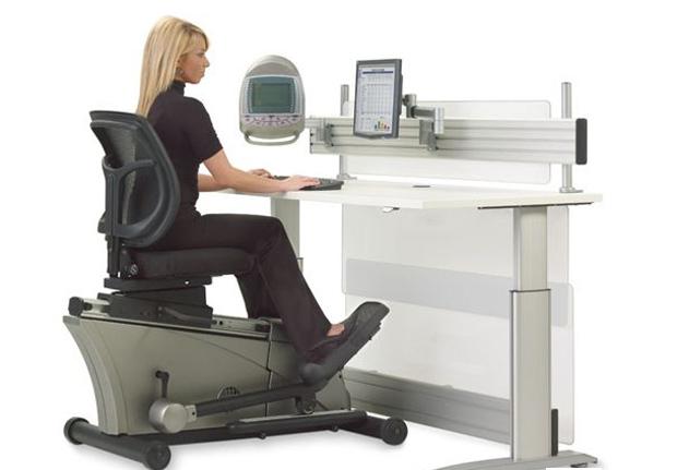 Elliptical Machine Office Desk, ideal para quem não tem tempo para academia (Foto: Divulgação)