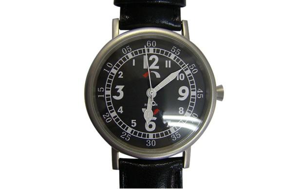 026f2863e3c Relógio anti-horário marca as horas no sentido contrário
