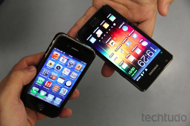 iPhone 4S e Galaxy S II (Foto  Allan Melo TechTudo) 9e9ccefcea