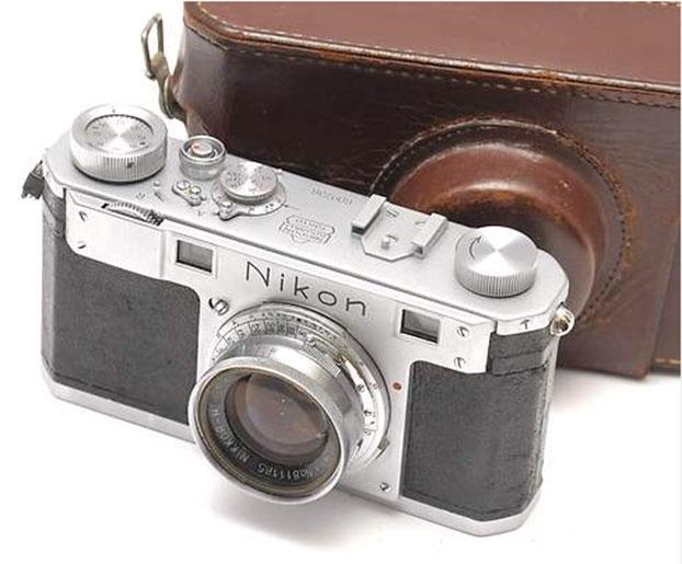 Câmera Nikon 1 que esté sendo vendida no eBay  (Foto: Divulgação)