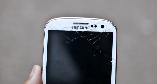 Tecnologia Corning Gorilla Glass é forte, mas não é inquebrável  (Foto: Reprodução/Tumblr/Imonstrosity)