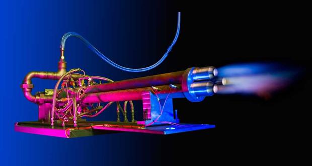 Chama constante faz o motor explodir gases sob pressão (Foto: Reprodução)