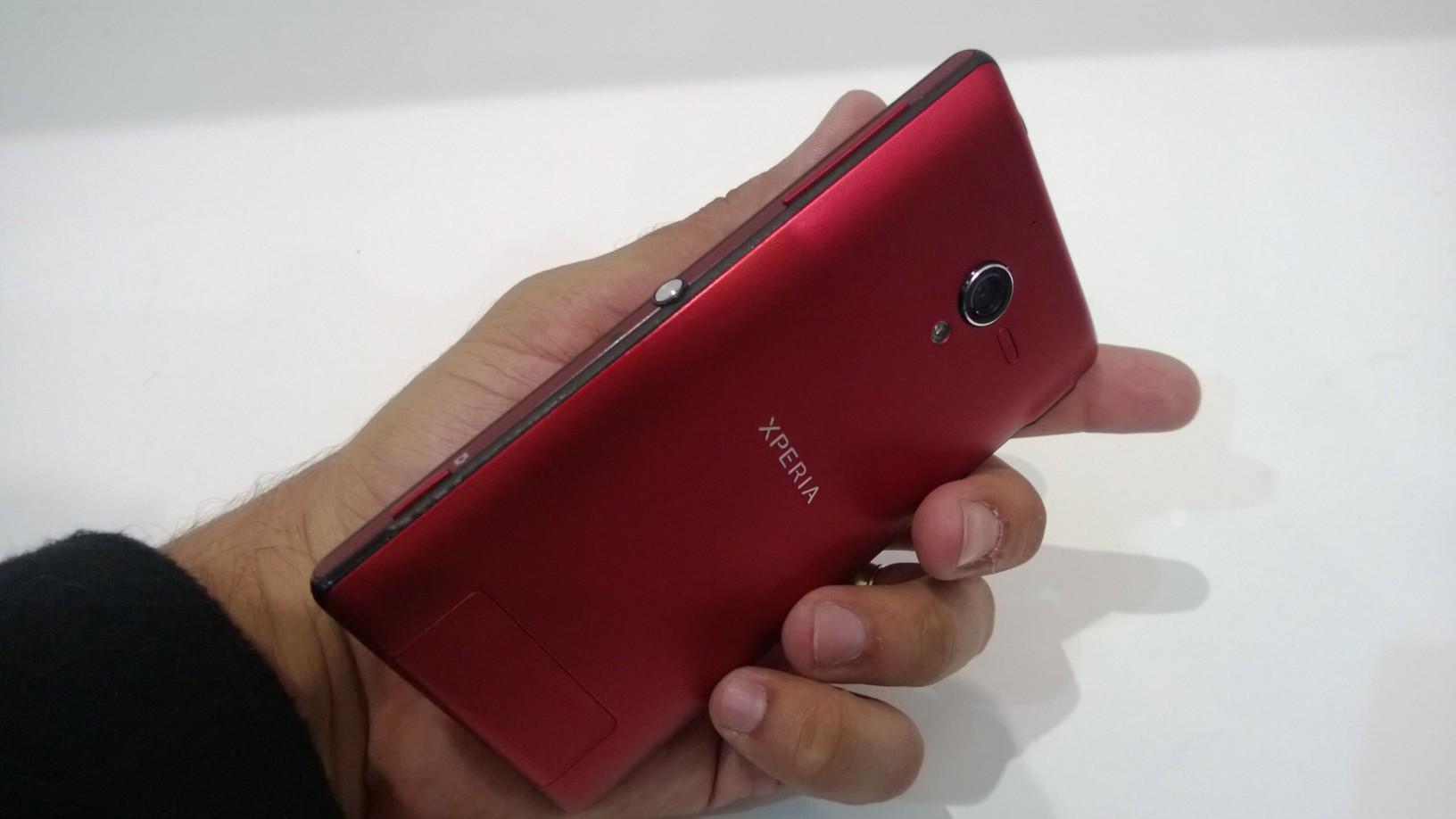 Xperia ZQ é o novo top de linha da Sony a pintar no Brasil (Foto: Allan Melo/TechTudo)