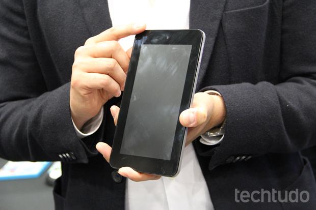 Tablet portátil promete entrar na briga pelos segmento de baixo custo (Foto: Allan Melo/TechTudo)