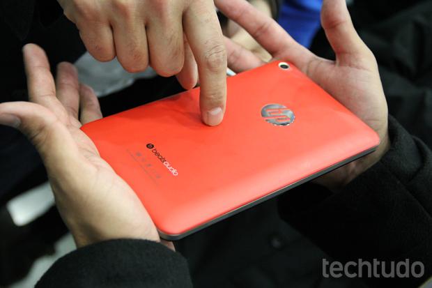 O HP Slate 7 não tem hardware para competir com o Nexus, mas seu preço promete incomodar (Foto: Allan Melo/TechTudo)