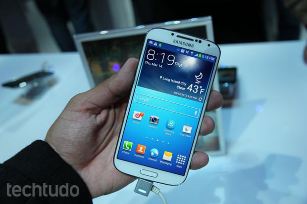 Galaxy S4 chega com inovações no hardware e nos recursos exclusivos da Samsung (Foto: Allan Melo/TechTudo)