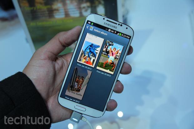 Galaxy S4 faz álbuns automáticos com o Story Album (Foto: Allan Melo/TechTudo)