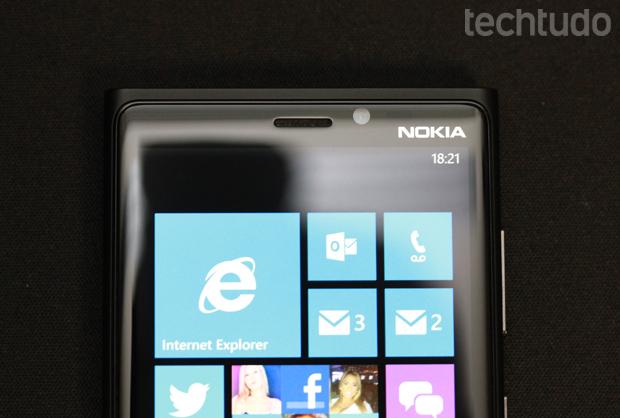 Frente do Lumia 920: detalhe da câmera de videochamada (Foto: Allan Melo / TechTudo)