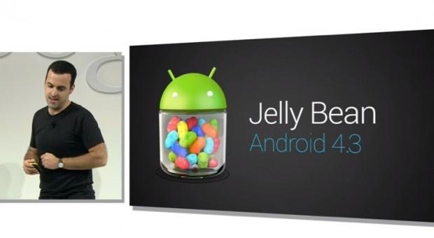 O brasileiro Hugo Barra apresentou o Android 4.3 (Foto: Divulgação)