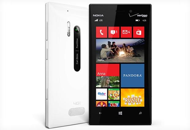 Lumia 928 é top da Nokia sem previsão de chegar ao Brasil (Foto: Divulgação)