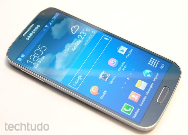 Galaxy S4 tem tela de Full HD com cores vivas que chamam a atenção (Foto: Allan Melo/TechTudo) (Foto: Galaxy S4 tem tela de Full HD com cores vivas que chamam a atenção (Foto: Allan Melo/TechTudo))