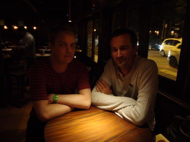 O desenvolvedor Sam Wierena (à esquerda) e o empresário Boris Veldhuijzen van Zanten (à direita), fundador do The Next Web (Foto: Pedro Zambarda/TechTudo) (Foto: O desenvolvedor Sam Wierena (à esquerda) e o empresário Boris Veldhuijzen van Zanten (à direita), fundador do The Next Web (Foto: Pedro Zambarda/TechTudo))