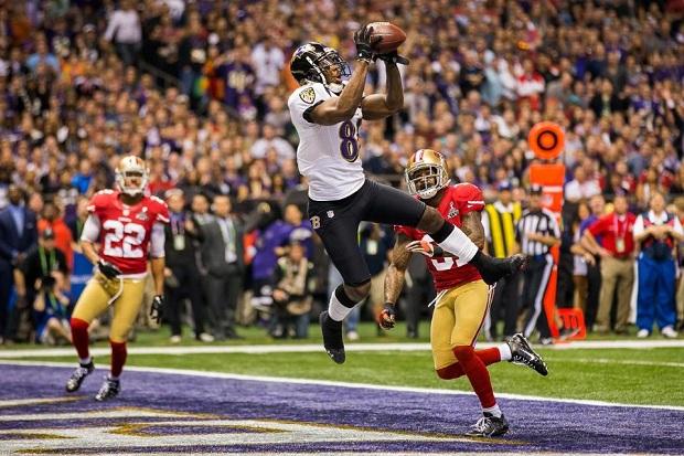 Objetivo é fazer a bola chegar à área pintada do campo (Foto: Divulgação/Baltimore Ravens)
