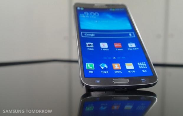 Galaxy Round tem layout parecido com de TVs OLED (Foto: Reprodução/Samsung Tomorrow)