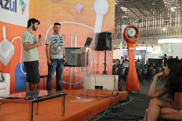 Fernando Werneck e Cristiano Prazeres explicam o processo de tradução de um game para o Brasil (Foto: TechTudo/Renato Bazan)
